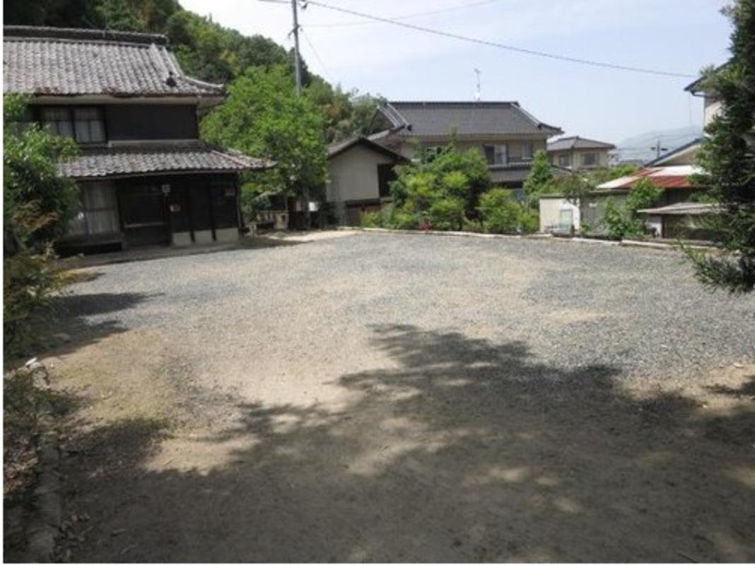 新市町相方☆駐車スペースが十分...